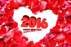 Νέο έτος 2016 πέταλο τριαντάφυλλων, κενό διάστημα για τα μηνύματα αγάπης στοκ φωτογραφία