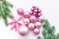 νέο έτος Χριστουγέννων ατμό Διακοσμήστε το εορταστικό χριστουγεννιάτικο δέντρο Διακόσμηση χριστουγεννιάτικων δέντρων Ρόδινο ΝΕ σφ στοκ φωτογραφία με δικαίωμα ελεύθερης χρήσης