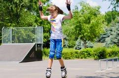 Νέο έφηβη σε ένα πάρκο σαλαχιών Στοκ Εικόνα