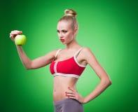 Νέο αθλητικό προκλητικό κορίτσι στοκ φωτογραφίες
