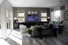 Νέο δωμάτιο ModernFamily σε ένα κλασικό σπίτι στην Αριζόνα Στοκ Φωτογραφία