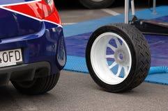 νέο ελαστικό αυτοκινήτο&u στοκ εικόνα