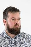 Νέο ενήλικο αρσενικό στο πουκάμισο Στοκ Εικόνες