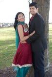 Νέο ευτυχές ινδικό ζεύγος Στοκ Φωτογραφίες