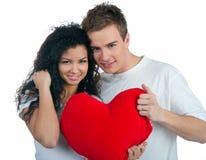 Νέο ζεύγος με μια καρδιά Στοκ Εικόνες