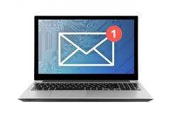 Νέο ηλεκτρονικό ταχυδρομείο γραφικό στο lap-top που απομονώνεται στο άσπρο υπόβαθρο Στοκ Εικόνες