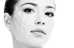 Νέο θηλυκό με το καθαρό φρέσκο δέρμα Στοκ φωτογραφία με δικαίωμα ελεύθερης χρήσης
