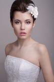 Νέο θηλυκό στο γαμήλιο φόρεμα Στοκ φωτογραφίες με δικαίωμα ελεύθερης χρήσης