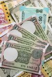 Νέο ινδικό νόμισμα, 200, 500 και μια σημείωση ρουπίων ως υπόβαθρο στοκ εικόνα