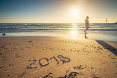 2018 νέο κείμενο έτους στην άμμο Στοκ Φωτογραφία