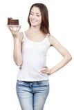 Νέο κομμάτι εκμετάλλευσης γυναικών του κέικ σοκολάτας Στοκ εικόνα με δικαίωμα ελεύθερης χρήσης