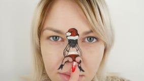 Νέο κορίτσι με την τέχνη σωμάτων απεικόνιση αποθεμάτων