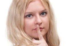 Νέο κορίτσι που ζητά τη σιωπή Στοκ εικόνες με δικαίωμα ελεύθερης χρήσης