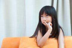 Νέο κορίτσι, σιωπηλά Στοκ εικόνα με δικαίωμα ελεύθερης χρήσης