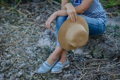 Νέο κορίτσι στις διακοπές Στοκ εικόνες με δικαίωμα ελεύθερης χρήσης