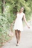Νέο κορίτσι στο πάρκο Στοκ Εικόνα