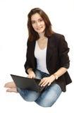 Νέο κορίτσι της Νίκαιας με το lap-top Στοκ φωτογραφία με δικαίωμα ελεύθερης χρήσης