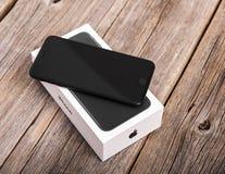 Νέο μαύρο iPhone 7 συν Στοκ Φωτογραφίες