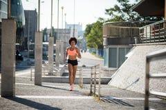 Νέο μικτό πρότυπο τρέξιμο γυναικών ικανότητας φυλών Στοκ Εικόνες