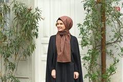 Νέο μουσουλμανικό πορτρέτο γυναικών στοκ εικόνα με δικαίωμα ελεύθερης χρήσης