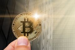 Νέο νόμισμα Bitcoint στη σύγχρονη επιχείρηση Στοκ φωτογραφίες με δικαίωμα ελεύθερης χρήσης