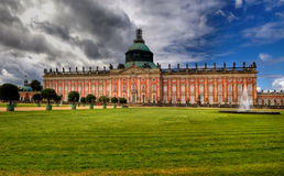Νέο παλάτι (Neues Palais) στο πάρκο Sanssouci στο Πότσνταμ Στοκ εικόνα με δικαίωμα ελεύθερης χρήσης