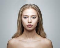 Νέο πορτρέτο γυναικών στοκ φωτογραφίες