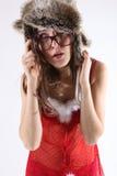 Νέο πορτρέτο brunette με το θέμα Χριστουγέννων Στοκ εικόνα με δικαίωμα ελεύθερης χρήσης