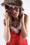 Νέο πορτρέτο brunette με το θέμα Χριστουγέννων Στοκ Εικόνες