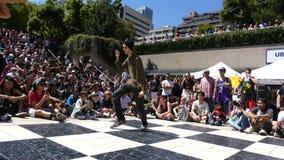 Νέο τον Ιούλιο του 2016 του σκηνικού Βανκούβερ Καναδάς οδών χορευτών χιπ χοπ απόθεμα βίντεο