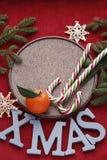 Νέο υπόβαθρο έτους ή Χριστουγέννων με τους κλάδους έλατου στοκ εικόνες με δικαίωμα ελεύθερης χρήσης