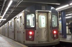 νέο υπόγειο τρένο Υόρκη πόλεων Στοκ φωτογραφία με δικαίωμα ελεύθερης χρήσης