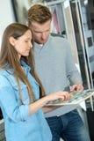 Νέο φυλλάδιο οδηγών μελέτης ζευγών από κοινού Στοκ Εικόνες
