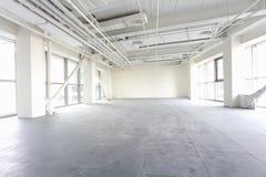 Νέο φωτεινό κενό εσωτερικό κτηρίου Στοκ Εικόνες