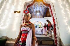 Νέο φόρεμα δραστών επάνω για Kandy Esala Perahera Στοκ Εικόνες