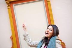 Νέο χαμόγελο γυναικών Στοκ φωτογραφία με δικαίωμα ελεύθερης χρήσης