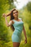 Νέο όμορφο ευτυχές κορίτσι Στοκ εικόνα με δικαίωμα ελεύθερης χρήσης