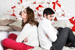 Νέο όμορφο ζεύγος της αγάπης του άνδρα και της γυναίκας Στοκ εικόνα με δικαίωμα ελεύθερης χρήσης
