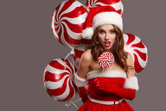 Νέο όμορφο κορίτσι στο στούντιο για το νέο έτος, Χριστούγεννα Στοκ εικόνα με δικαίωμα ελεύθερης χρήσης