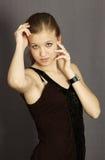 Νέο όμορφο σκεπτόμενο κορίτσι Στοκ εικόνα με δικαίωμα ελεύθερης χρήσης