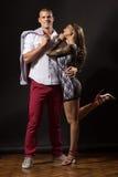 Νέο ballerina κοριτσιών ζευγών dacner που κλίνει στο φίλο που θέτει το s Στοκ φωτογραφίες με δικαίωμα ελεύθερης χρήσης
