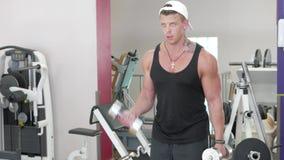 Νέο bodybuilder απόθεμα βίντεο