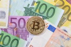 Νέο crypto νόμισμα στο ευρο- τραπεζογραμμάτιο Στοκ Εικόνες