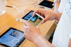 Νέο iPhone 6 της Apple και iPhone 6 συν Στοκ φωτογραφία με δικαίωμα ελεύθερης χρήσης