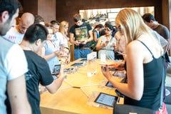 Νέο iPhone 6 της Apple και iPhone 6 συν Στοκ Φωτογραφίες