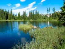 Νέο pleso Strbske λιμνών στα βουνά Tatras Στοκ Φωτογραφία