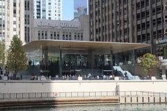 Νέο Riverfront Apple Store ανοίγει στις 16 Οκτωβρίου 2017 στο Μίτσιγκαν Ave Σικάγο Στοκ φωτογραφία με δικαίωμα ελεύθερης χρήσης