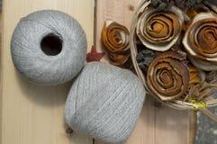Νήμα για το πλέξιμο στις σφαίρες Στοκ φωτογραφία με δικαίωμα ελεύθερης χρήσης