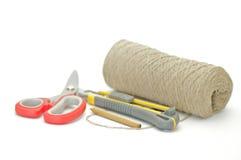 νήμα ψαλιδιού pensil εγγράφου πακέτων μαχαιριών Στοκ φωτογραφία με δικαίωμα ελεύθερης χρήσης