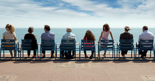 Νίκαια - οι άνθρωποι κάθονται στις καρέκλες Στοκ Εικόνα